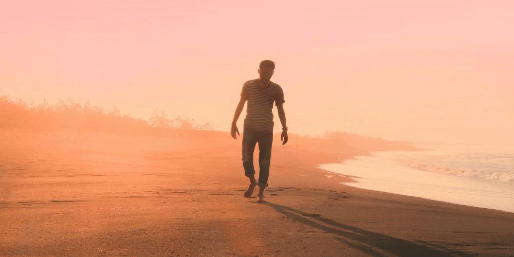 Tipp: Ein Spaziergang am Strand ist nicht nur gesund, sondern macht auch glücklich.