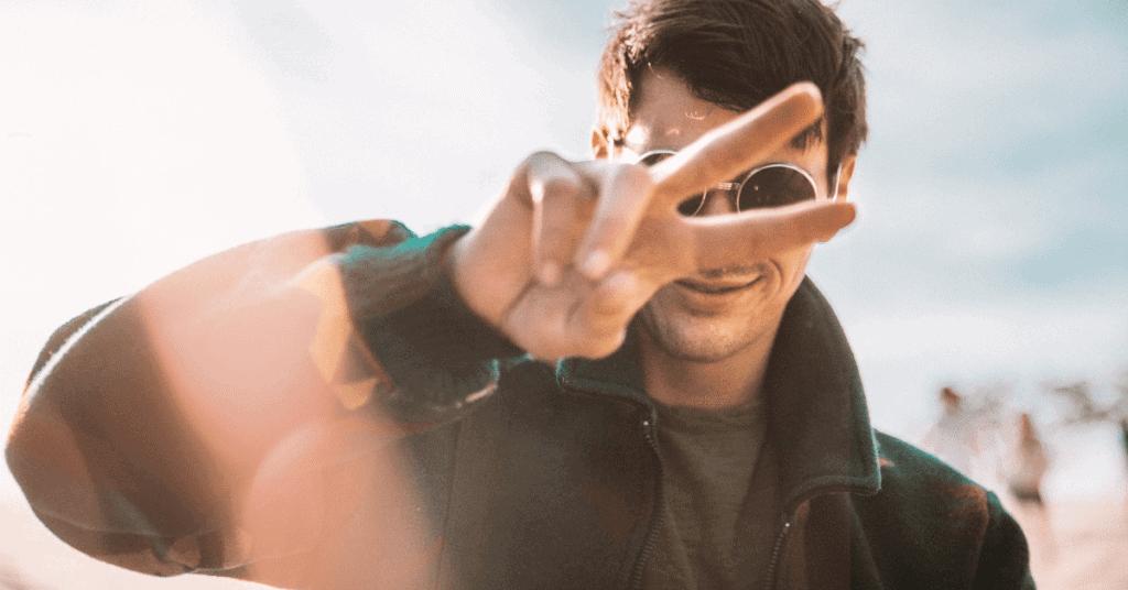 So schaffst du es aus seiner Friendzone! 9 Tipps