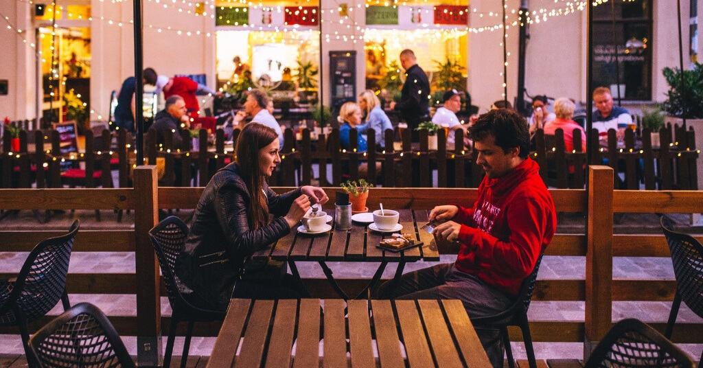 Dos und Don'ts für das erste Date: So hinterlässt du bleibenden Eindruck