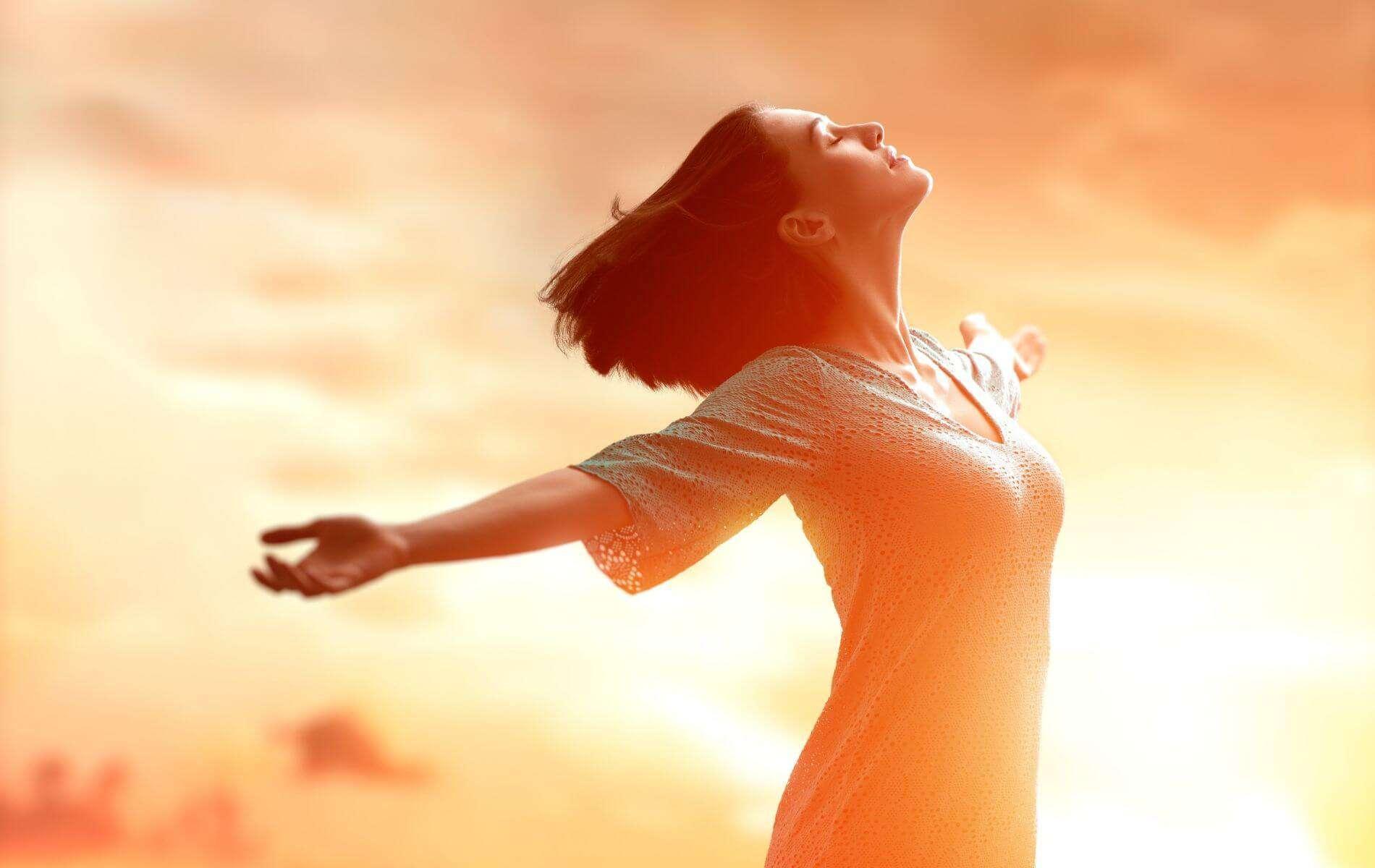 Optimistisch durchs Leben gehen: So bekommst du eine positive Grundeinstellung