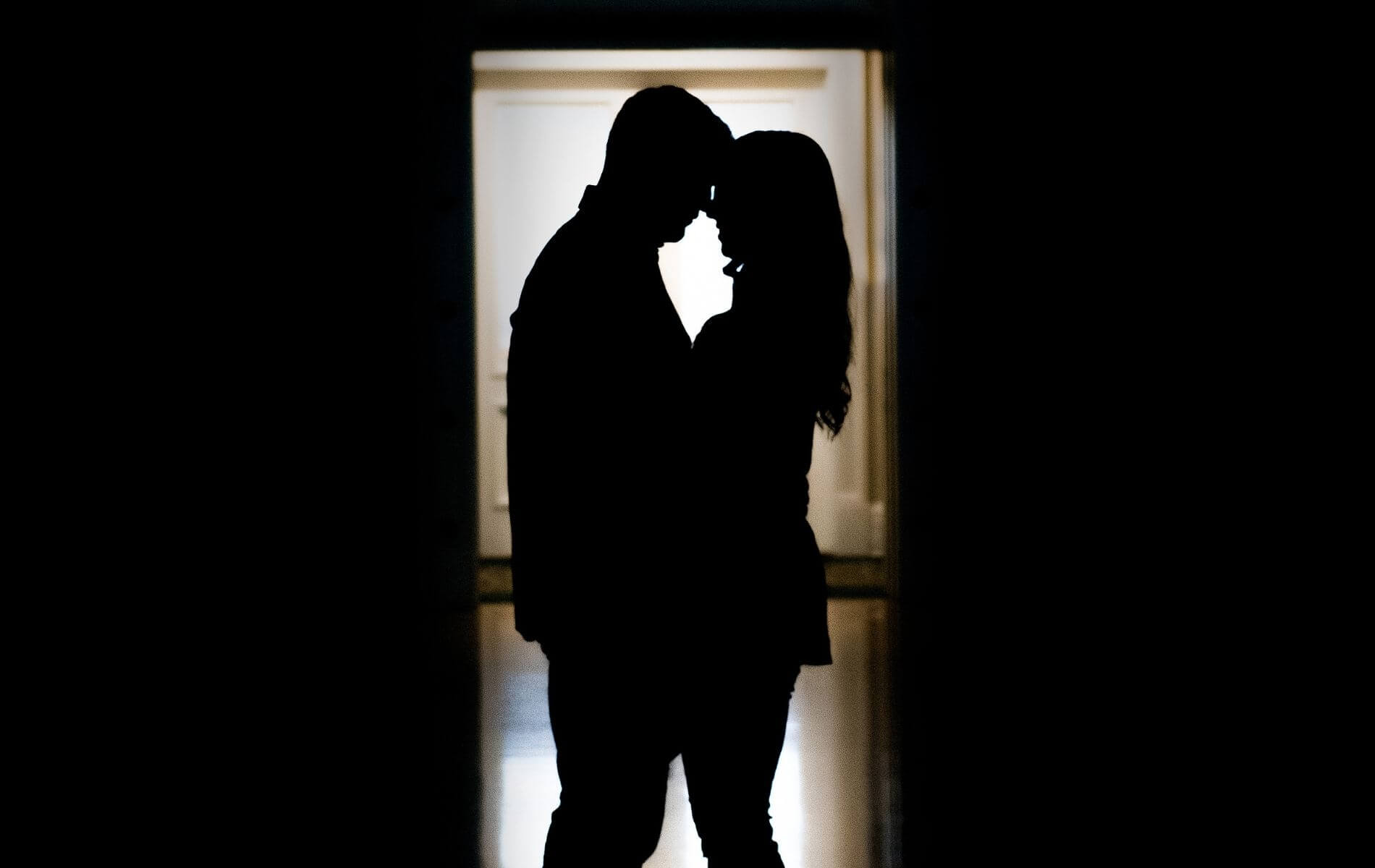 Flirten lernen: Mit diesen Tipps gewinnst du sein Herz