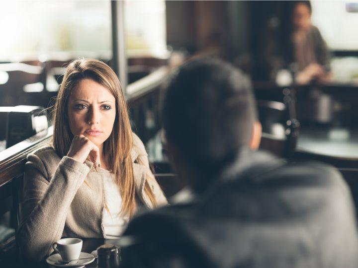 Das ist laut deinem Sternzeichen der Grund, warum du bewusst in einer unglücklichen Beziehung bleibst