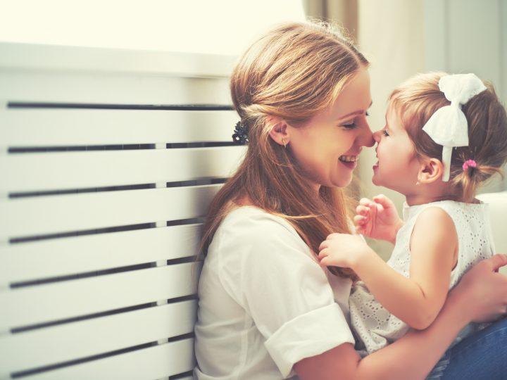 So wirst du laut deinem Sternzeichen als Mutter sein